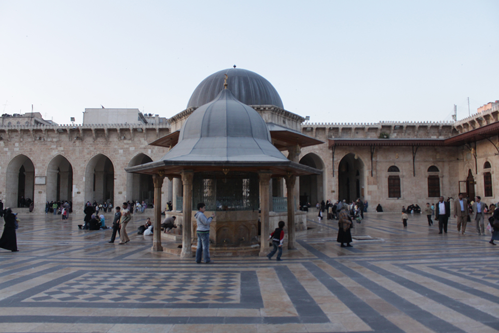 IMG_9083-Great-Mosque-of-Aleppo,-also-known-as-the-Umayyad-Mosque-(and-in-Arabic-as-al-Jami-al-Kabir)_1000